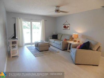 Pompano Beach Condo/Townhouse For Sale: 101 E McNab Rd #423