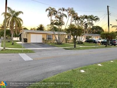 Lauderdale Lakes Single Family Home For Sale: 2390 NW 34th Ter