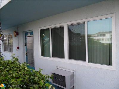 Deerfield Beach Condo/Townhouse For Sale: 179 Farnham H #179