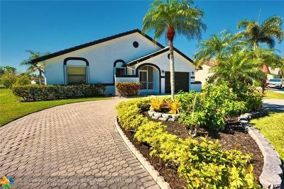 Tamarac Single Family Home For Sale: 10520 NW 71st Pl