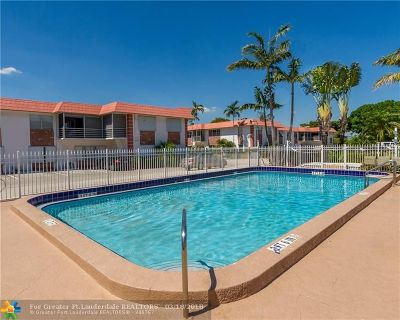 Pompano Beach FL Condo/Townhouse For Sale: $79,900