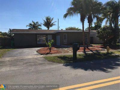 Sunrise Single Family Home For Sale: 2498 NW 98th Ln