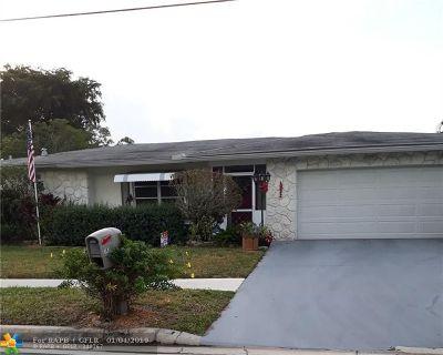Margate Single Family Home For Sale: 7830 Margate Blvd
