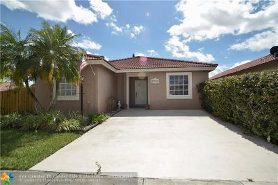 Miami Single Family Home For Sale: 14216 SW 177th St