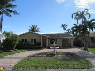 Boca Raton Single Family Home For Sale: 22534 SW 7th St