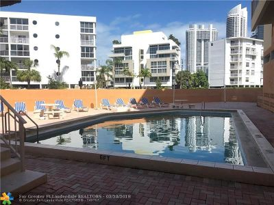 Sunny Isles Beach Condo/Townhouse For Sale: 200 178 Dr #506
