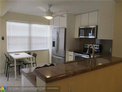 Coconut Creek Condo/Townhouse For Sale: 4301 Martinique Cir #G4