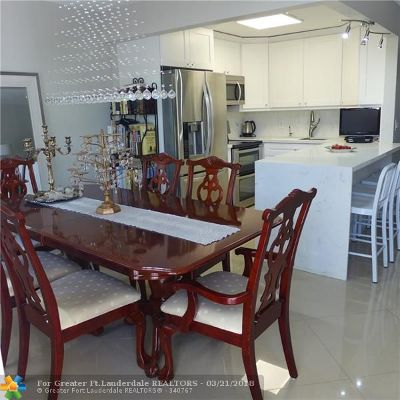 Deerfield Beach Condo/Townhouse For Sale: 99 Upminster #99