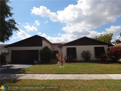 Deerfield Beach Single Family Home For Sale: 3880 NW 2nd Ct