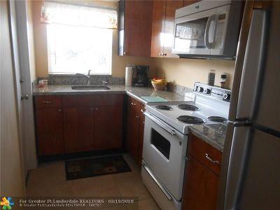 Hollywood Condo/Townhouse For Sale: 1425 Arthur St #404 A