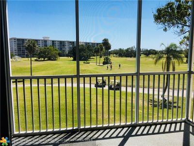 Pompano Beach Condo/Townhouse For Sale: 2900 N Palm Aire Dr #301