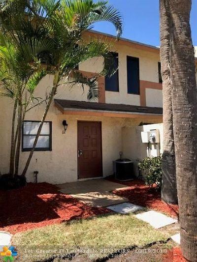 Pompano Beach Condo/Townhouse For Sale: 3281 E Golf Blvd #12