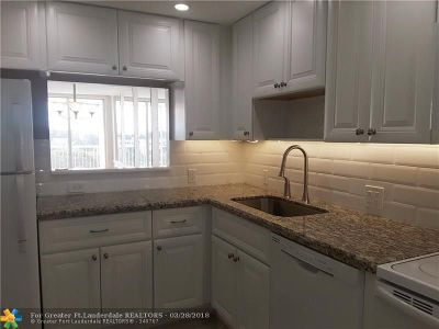 Pompano Beach Condo/Townhouse For Sale: 3010 N Course Dr #804