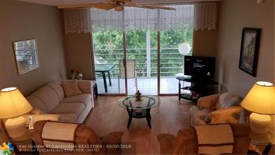 Lauderdale Lakes Condo/Townhouse For Sale: 2901 NW 48 Ave #465