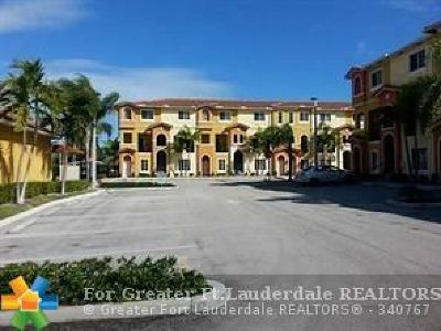 Hallandale Condo/Townhouse For Sale: 141 NW 2nd Ave #11