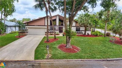 Coral Springs Single Family Home For Sale: 8815 NW 17th Mnr