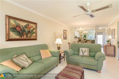 Deerfield Beach Condo/Townhouse For Sale: 400 SE 10th St #107