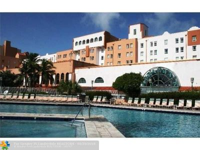 Broward County Condo/Townhouse For Sale: 101 N Ocean Dr #733