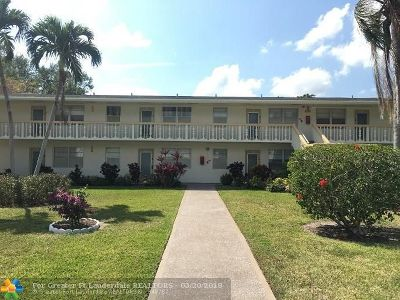 Deerfield Beach Condo/Townhouse For Sale: 452 Durham O #452