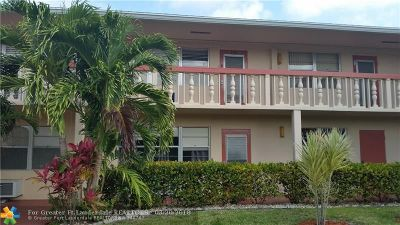 Deerfield Beach Condo/Townhouse For Sale: 243 Ventnor R #243