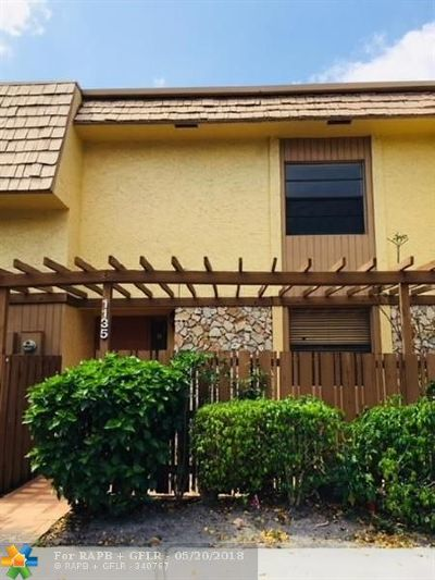 Plantation Condo/Townhouse For Sale: 1135 NW 79th Dr #1135