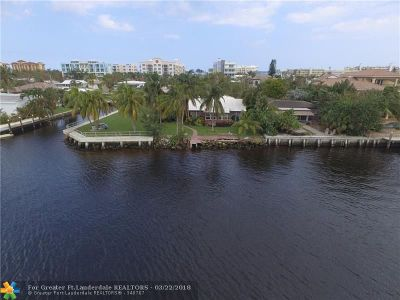 Deerfield Beach Single Family Home For Sale: 217 SE 18th Ave