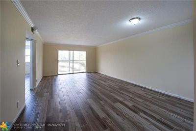 Coconut Creek Condo/Townhouse For Sale: 1501 Cayman Way #F3