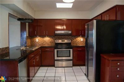 Pompano Beach Single Family Home For Sale: 1900 NE 27th Ave