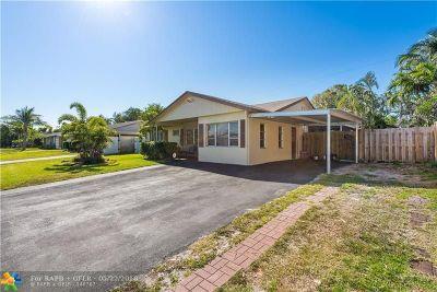 Lantana Single Family Home For Sale: 1320 W Pine St
