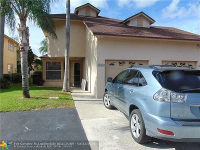 West Palm Beach Condo/Townhouse For Sale: 1476 S Lake Mango Way #1476