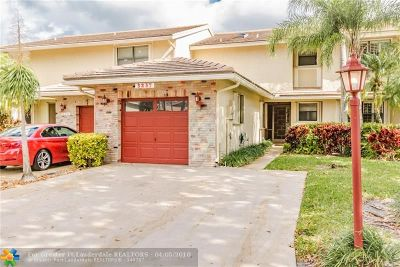 Deerfield Beach Condo/Townhouse For Sale: 3237 Lakeshore #5-13
