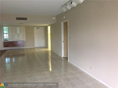 Broward County Condo/Townhouse Backup Contract-Call LA: 3980 Oaks Clubhouse #111