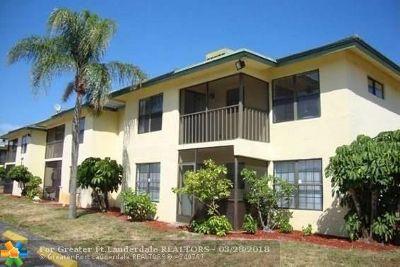 Delray Beach Condo/Townhouse For Sale: 2339 Linton Ridge Cir #E 1