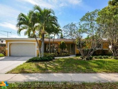 Boca Raton Single Family Home For Sale: 772 NE 70 St