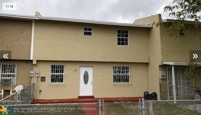 Miami Gardens Condo/Townhouse For Sale: 19162 NW 46th Ave #1