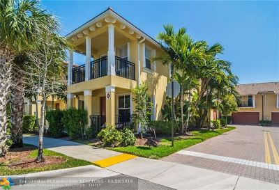 Coconut Creek Condo/Townhouse For Sale: 4836 Acadian Trl #4836