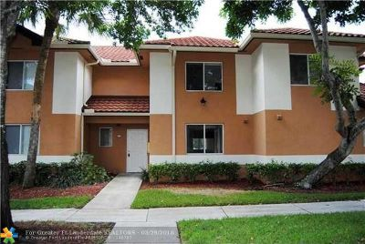 Plantation Condo/Townhouse For Sale: 775 NW 91st Ter #775