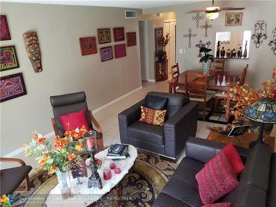 Hallandale Condo/Townhouse For Sale: 319 NE 14th Ave #304