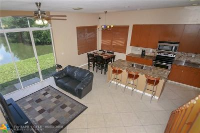 Fort Lauderdale Single Family Home For Sale: 3723 SW 49th Pl