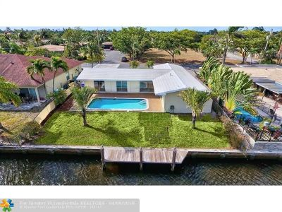 Pompano Beach Single Family Home For Sale: 151 SE 9th Ct