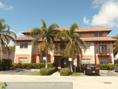 Lauderdale By The Sea Condo/Townhouse For Sale: 4525 Poinciana St #1
