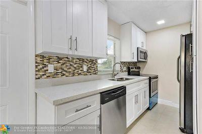 Oakland Park Single Family Home For Sale: 231 NE 55th St