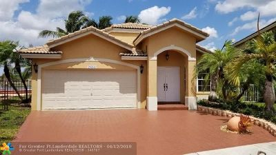 Pembroke Pines Single Family Home For Sale: 20383 SW 3rd St