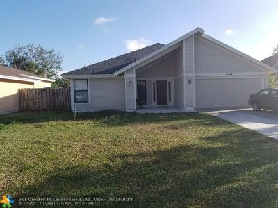 Jupiter Single Family Home For Sale: 6074 Linton St