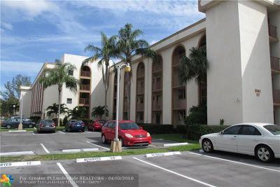 Margate Condo/Townhouse For Sale: 3241 Holiday Springs Blvd #210