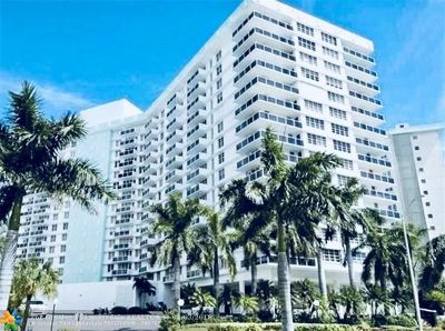 Hollywood Condo/Townhouse For Sale: 3725 S Ocean Dr #824