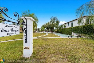 Hallandale Condo/Townhouse For Sale: 580 Egret Dr #120