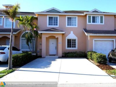Deerfield Beach Condo/Townhouse For Sale: 1177 SW 44th Ave #1177