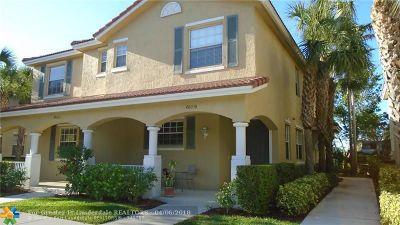 Delray Beach Condo/Townhouse For Sale: 4803 N Wickham Cir #B
