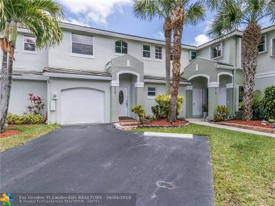 Davie Condo/Townhouse For Sale: 4708 Grapevine Way #4708
